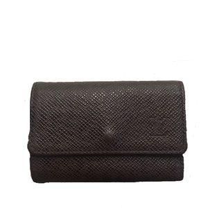 Authentic Louis Vuitton Purple Taiga 6 Key Cles